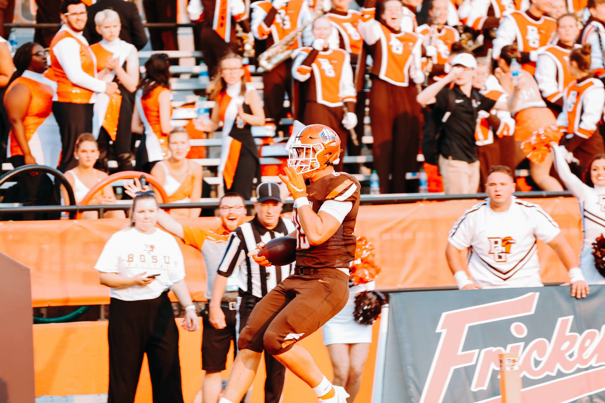 Bowling Green sophomore tight end Andrew Bench scores the Falcons' first offensive touchdown of the season, putting his team up 19-12 in the third quarter of a 22-19 loss to South Alabama. (Photo by Mallory Hiser courtesy BGSU Athletics)