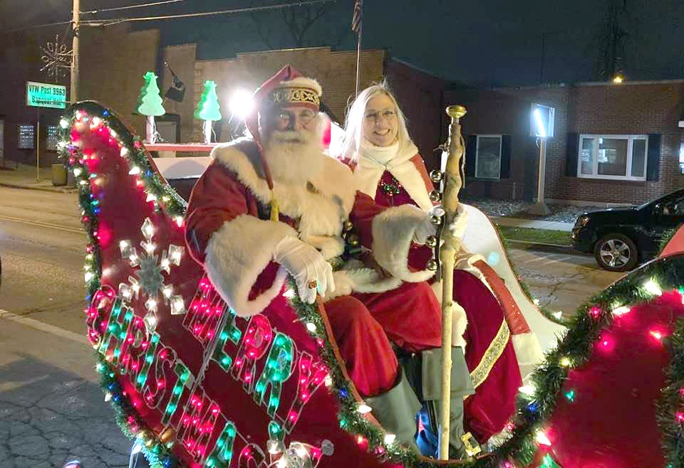 Santa and Mrs. Claus arrive in Walbridge. (Submitted photo)