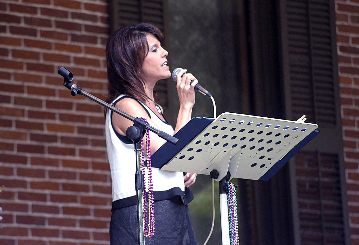 Chrissy of Chrissy & Don: Music and Fun! sings during a Verandah Concert at the Hayes Presidential Library & Museums last summer. The duo, one of the returning acts to the Verandah Concerts this summer, is set to perform July 10 at HPLM.  (Submitted photo)